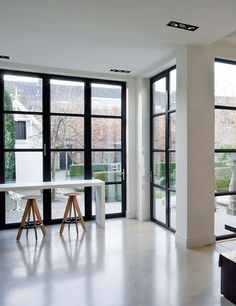 Nice modern garden. Amazing windows.