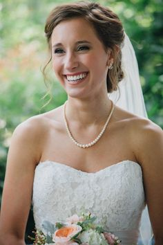 Such a pretty, classic wedding day look! Photo by Traci & Troy