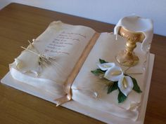 [PDZ] - Calice sontuoso per Enrico Boy Communion Cake, First Holy Communion Cake, Communion Centerpieces, Communion Decorations, Baptism Party Decorations, Bible Cake, Religious Cakes, Christian Crafts, Book Cakes