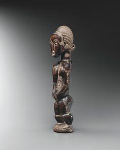 BAULÉ STATUE Arabesque Design, Statues, Art Africain, Objet D'art, Ivoire, Lion Sculpture, Antique Shops, Art History, Effigy