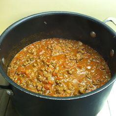 HCG friendly spaghetti sauce-1lb ground buffalo meat, 1 can hunts tomato sauce, 1/2 can diced tomatoes-brown ground buffalo-rinse, add sauce and tomatoes. Season with HCG friendly herbs, oregano, basil, garlic, onion powder. Add 1 packet of Splenda or truvia if desired. Makes 4 200cal portions