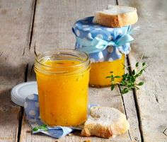 """Fruchtaufstrich """"Gelbes Geheimnis"""" Fall Dinner Recipes, Fall Recipes, Drink Recipes, Healthy Eating Tips, Healthy Nutrition, Chutneys, Holiday Party Appetizers, Jam And Jelly, Vegetable Drinks"""