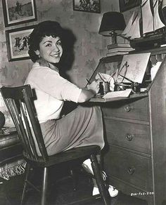 1950s Teenage Annette, Funicello