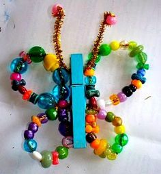 Pipe cleaner and bead butterfly Pony Beads, Pony Bead Crafts, Crafts For Kids, Arts And Crafts, Wind Chimes, Beaded Bracelets, Ideas, Jewelry, Fashion