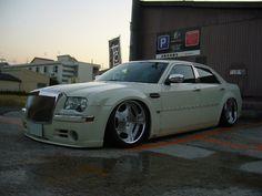 cars whith deep dish wheels | › VIP STYLE CARS › 300C Hemi with Deep Dish rims | VIP Car ...