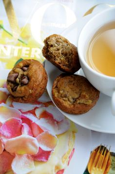 deliciously organized: saturday morning {gluten free, sugar free & vegan banana mini muffins}
