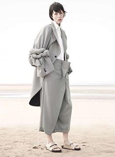 Edie Campbell by Karim Sadli (Sur Le Sable - Vogue Paris November 2013) 2