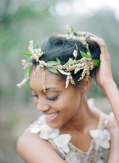 three fresh floral accessory ideas for your wedding/lonny magazine/photo by elizabeth messina