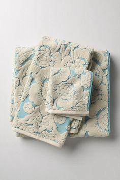 guest towels <3
