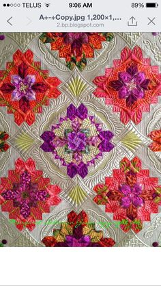 Beautiful colors and quilting. 'Bouquet Royal' Quilt. Winner of The Masterpiece Quilt Award 2015 Artist: Margaret Solomon Gunn