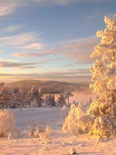 Breathtaking view! Henkeäsalpaavan kaunis näkymä Levitunturilta Kätkätunturille käsin.  Lapland Finland, Levi Ski Resort