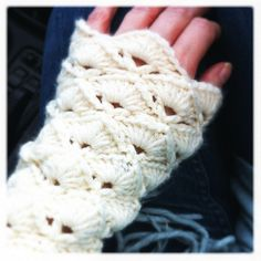 crochet wrist warmers - I SO want some black ones!!!