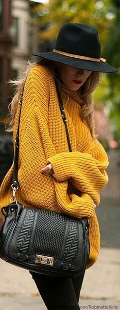 Cool Weather Street Style// love the sweater <333