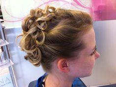 #coiffurecitylangenthal #hochzeit #fest #wedding #hochstecken Make Up, Fashion, Hairstyle, Weddings, Moda, Fashion Styles, Fasion, Beauty Makeup, Makeup