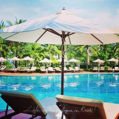 It's relaxing here.  #travel #experience #trip #tour #pool #resort #krabi #thailand #beach #andaman #sunbathing #sunlounge #sunbed #destination #holiday #island #vacation #honeymoon #family  #relax #enjoy #chill #chillout #chillax #sea #seaview #poolbar #poolaccess #sofitel #sofitelkrabi by sofitelkrabiphokeethra