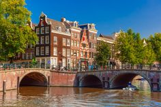 Amsterdam Canals puzzle in Bridges jigsaw puzzles on TheJigsawPuzzles.com. Play full screen, enjoy Puzzle of the Day and thousands more.