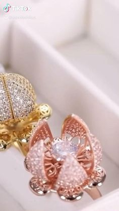 Indian Beauty Saree, Tik Tok, Fashion Accessories, Brooch, Elegant, Videos, Rings, Shopping, Jewelry