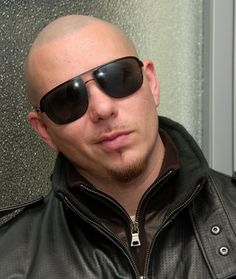 Pitbull the rapper! Pompadour, Pitbull Rapper, Pitbull Photos, Bald Look, Brylcreem, Slick Hairstyles, Bald Men, Latin Music, Wet Hair