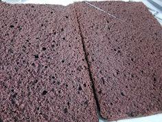 Hellena ...din bucataria mea...: Tort cu mousse de ciocolata alba - insiropat cu ciocolata calda