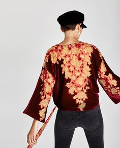 Discover the new ZARA collection online. The latest trends for Woman, Man, Kids and next season's ad campaigns. Kimono, Zara, Stylish Shirts, Blouse Online, Trending Now, Couture, Shirt Blouses, Printed Shirts, Bell Sleeve Top