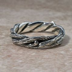 TWISTED TWIGS Wedding Ring. This band made in di BandScapes