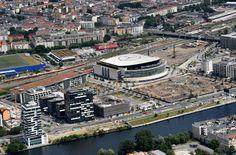 Die Mercedes-Benz Arena am Ostbahnhof im Juni 2016