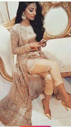 Custom made lehengas Inquiries➡️ nivetasfashion whatsapp Direct from INDIA Nivetas Design Studio We ship worldwide 🌎 At very reasonable Prices lehengas - punjabi suit - saree- brid Indian Wedding Outfits, Pakistani Outfits, Pakistani Girl, Wedding Attire, Indian Attire, Indian Wear, Indian Suits Punjabi, Indian Party Wear, Punjabi Wedding Suit