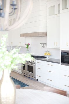 PECANS PROJECT: KITCHEN + DINING NOOK | E. INTERIORS