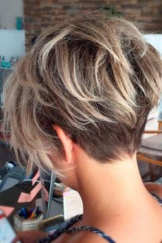 Gorgeous 36 Beautiful Short Haircuts 2018 for Women with Fine Hair https://outfitmad.com/2018/02/26/36-beautiful-short-haircuts-2018-women-fine-hair/
