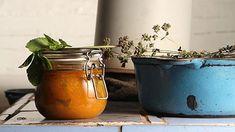 Meruňkový džem s mátou – Seznam.cz Moscow Mule Mugs, Planter Pots, Tableware, Dinnerware, Tablewares, Dishes, Place Settings