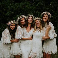 32 All White Bridesmaid Dresses #whitebridesmaidsdresses #modernbridalpartylooks #mismatchedbridesmaiddresses