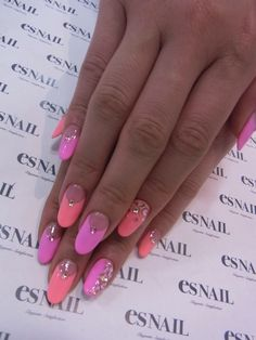Cute Nails #nail #unhas #unha #nails #unhasdecoradas #nailart #gorgeous #fashion #stylish #lindo #cool #cute #fofo #pink #rosa #coral #delicado