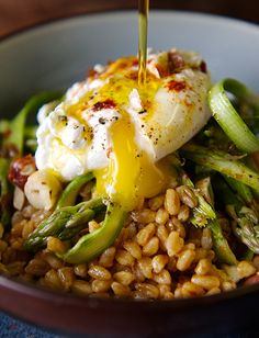 Warm-Farro-asparragus-and-poached-egg-toasted-drizzle-olive-oli ~Yes more please!