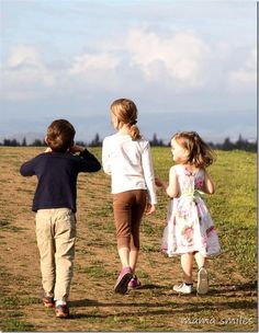 After dinner walks with kids are a great way to fit in a few extra minutes of outdoor time and invaluable family time!