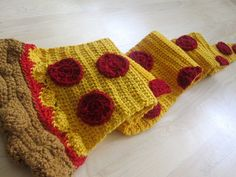twinkie chan pizza crochet scarf (anything twinkie chan really :P)