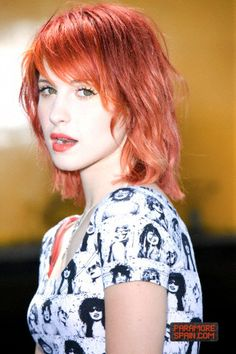 Hayley Williams, ugh. Don't you just want to touch her?????? Cause, I do.