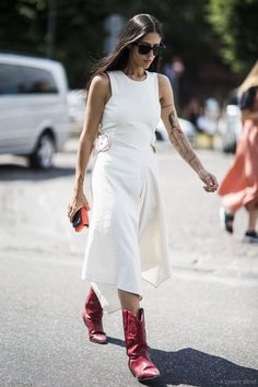 14 Stylish Summer Outfits With Cowboy Boots