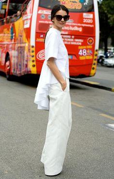 Flattering All White Outfit Ideas for Summer : Street Style: White Peplum + Frills 1 White Summer Outfits, All White Outfit, Vogue Uk, Leila Yavari, Blazer En Tweed, Le Catch, Fashion Weeks, White Peplum, Moda Paris