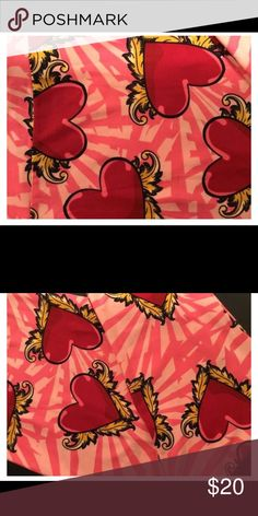 Lularoe TC Valentines Day Leggings 💕 Worn once. Washed by LLR standards LuLaRoe Pants Leggings