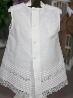 Linen - love the shape but the lace is fussy Zerschnittene Shirts, Cut Up Shirts, Frock Design, Dress Neck Designs, Blouse Designs, Dresses Kids Girl, Kids Outfits, Kids Frocks Design, Matching Couple Shirts