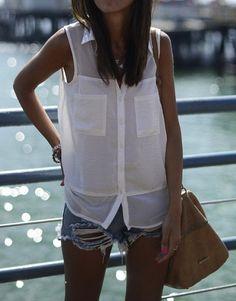 pantalon corto vaquero & camisa blanca