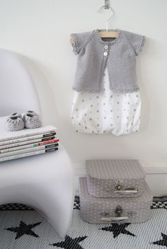Today our children room decor tips it's all about girly looks, who's ready? Knitting For Kids, Baby Knitting, Little Fashion, Kids Fashion, Super Moda, Cute Kids, Cute Babies, Bebe Love, Kids Room Design