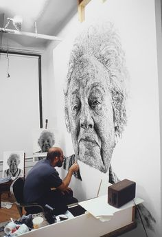 Portrait Made of Thousands of Fingerprints (More about this from Bored Panda at http://www.boredpanda.com/fanny-finger-painting-chuck-close/)