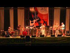 Gabriel Estrada (Piano)Jorge Nocetti (guitarra), Gerardo Alonso (bajo), Federico Moreira (bateria), Pablo Meneses (percusión), Alejandra Genta (saxo baritono), Pedro Bergara (saxo tenor), Gustavo Villalba (saxo alto y soprano), Pablo Somma (flauta)