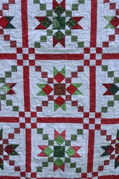 Country Charmer Christmas Quilt | Girl Gone Quilting