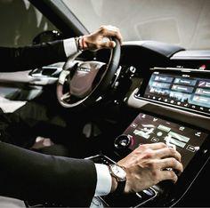 Range Rover Velar – Sport Car News Bentley Auto, Range Rover Evoque, Range Rover Sport, Range Rovers, Audi Rs5, Fancy Cars, Cool Cars, Maserati, Best Midsize Suv