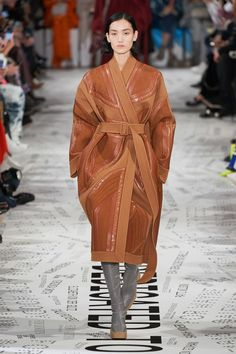 Stella McCartney Fall 2019 Ready-to-Wear Fashion Show - Vogue Fashion Week Paris, Fashion 2020, Runway Fashion, High Fashion, Fashion Blogs, Couture Mode, Style Couture, Couture Fashion, Stella Mccartney