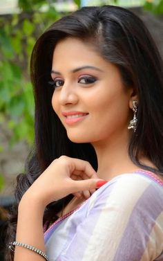 Indian Actress Ashima Narwal Hot Looking In Blue Gown - Tollywood Stars Green Saree, Pink Saree, Beauty Full Girl, Beauty Women, Blue Gown, Yellow Dress, Pink Dress, Indian Heroine Photo, Hot Images Of Actress