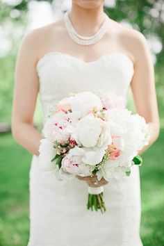 Such a romantic wedding bouquet - love! {Amore Events by Cody, LLC}