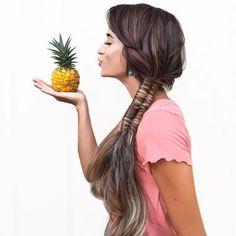 🍍 Sun ☀️ Sand 🏖 Braids & a Pineapple in hand 🍍🤙🏽 #braidsinaction .  .  .  .  .  .  .  #infinity #sidebraid #designmehair #braid #perfectbraids #braidinspo #instabraid #infinitybraid #braidinspo #hairofinstagram #perfectbraid #voluminoushair #braidgoals #hairgoals #cghphotofeature #tranças #longbraids #inspirationalbraids #makeup #hairdo #hudabeauty #hairproduct #braidideas #braidinspo #trança #easyhairdo #pineapplehair #pineapple #howtodohair #behindthechair